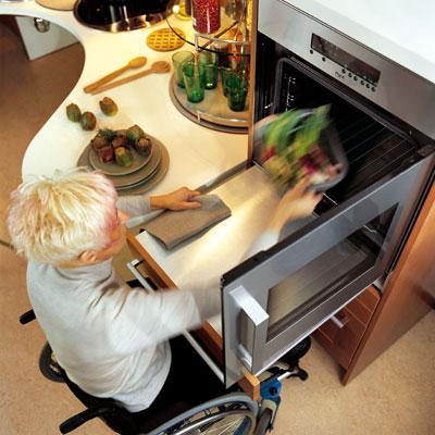 des cuisines am nag es pour les personnes handicap es inspiration cuisine le magazine de la. Black Bedroom Furniture Sets. Home Design Ideas