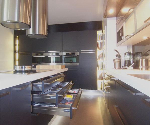 Cuisine Armony. Réalisation La cuisine dans le bain. Photos inspirationcuisine.com