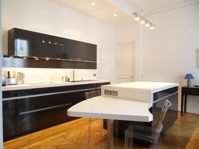 une cuisine ouverte et fonctionnelle inspiration cuisine. Black Bedroom Furniture Sets. Home Design Ideas