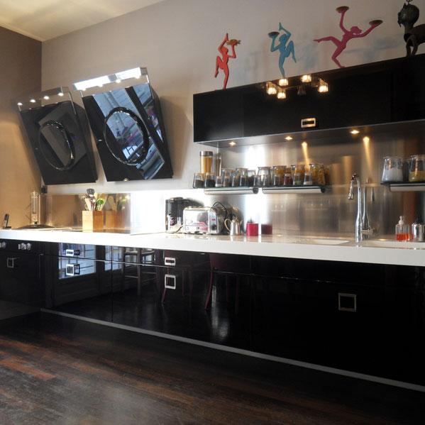 jeu de volume et contraste de couleur inspiration cuisine. Black Bedroom Furniture Sets. Home Design Ideas