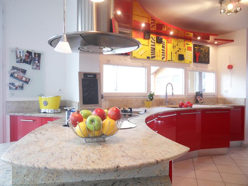 Modèle Sistema Zeta de Snaidero. Cuisine conçue et réalisée par Ludovic Rimoli, Les cuisines du château. Photos inspirationcuisine.com