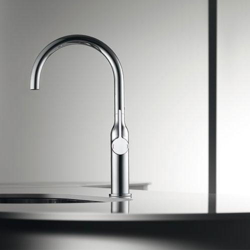 Le robinet au design sensuel de kwc inspiration cuisine - Robinet bulthaup ...