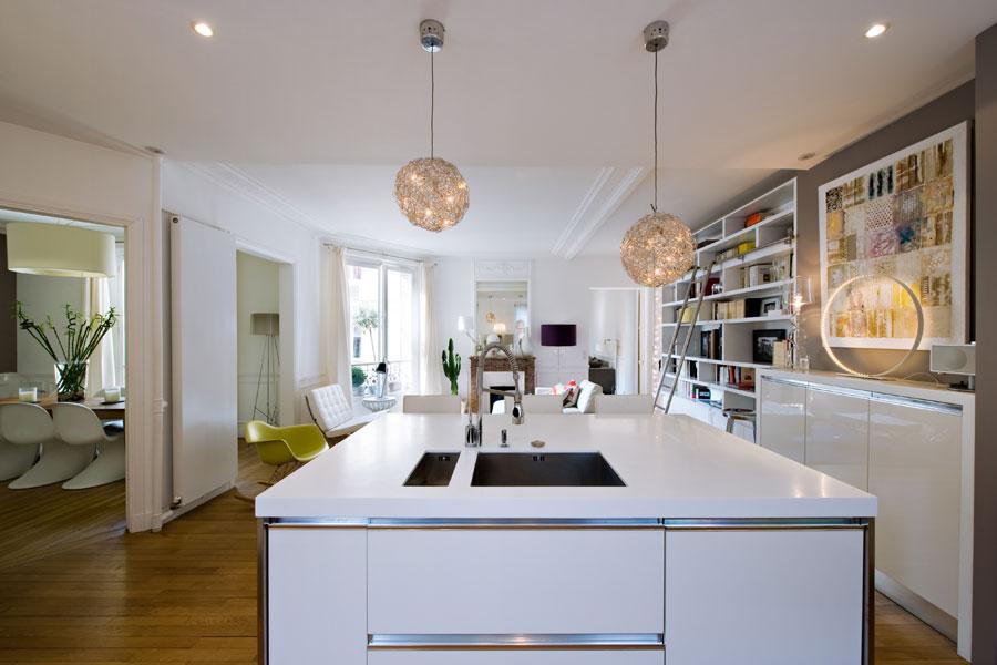 Cuisine conçue et réalisée par La cuisine dans le bain. Photo de Stéphane Lariven pour La Cuisine Dans Le Bain