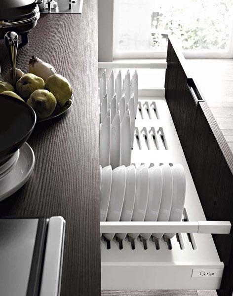 Des rangements pour une cuisine fonctionnelle for Porte assiettes pour cuisine