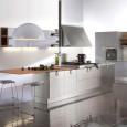 La cuisine Set de Dada et son bloc hotte original