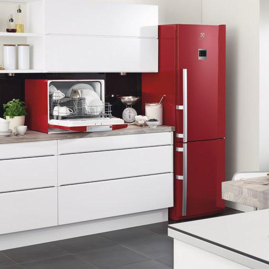 r frig rateurs electrolux aux couleurs gourmandes. Black Bedroom Furniture Sets. Home Design Ideas