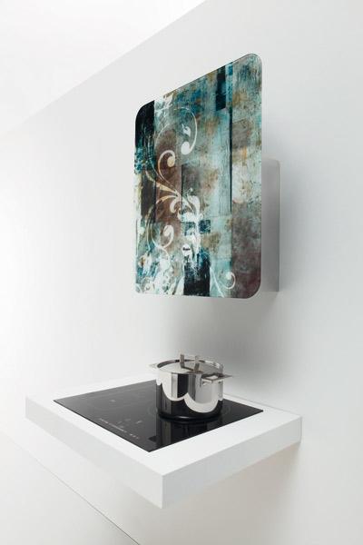 La hotte de whirlpool s 39 expose dans la cuisine - Hotte cuisine whirlpool ...