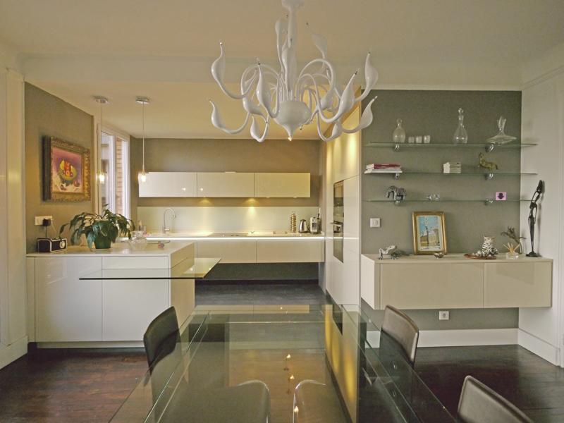 Une cuisine ouverte chic et raffin e inspiration cuisine for Couleur magnolia cuisine