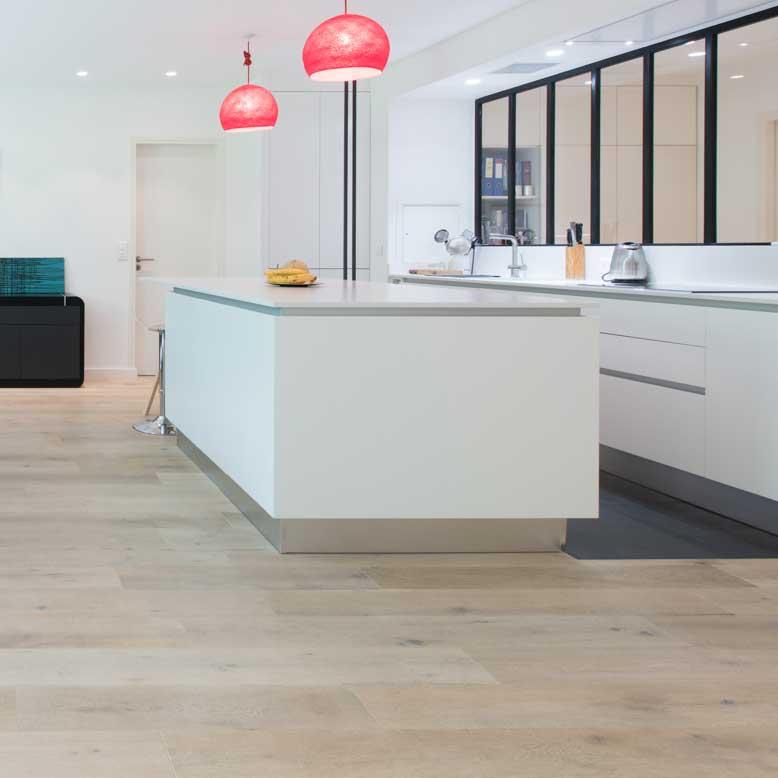 une cuisine blanche de style industriel inspiration cuisine. Black Bedroom Furniture Sets. Home Design Ideas
