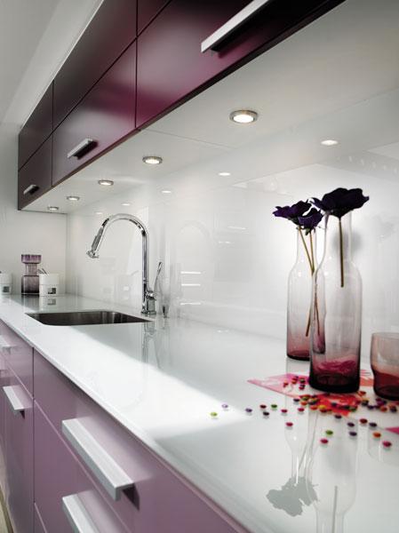 Modèle Tallys de Mobalpa. Crédence en verre. Crédence de cuisine