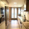 Une cuisine couloir très design