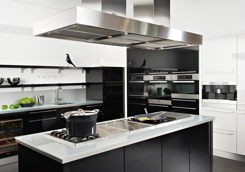 La cuisine noire : Darty