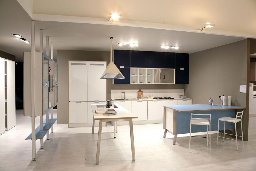 Les nouvelles cuisines bleues 2012 inspiration cuisine - Cuisine 2 couleurs ...
